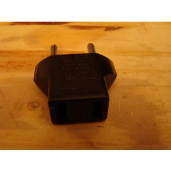 ADAPTATEUR USA ASIE/FRANCE 2 POLE CODE MRE 040