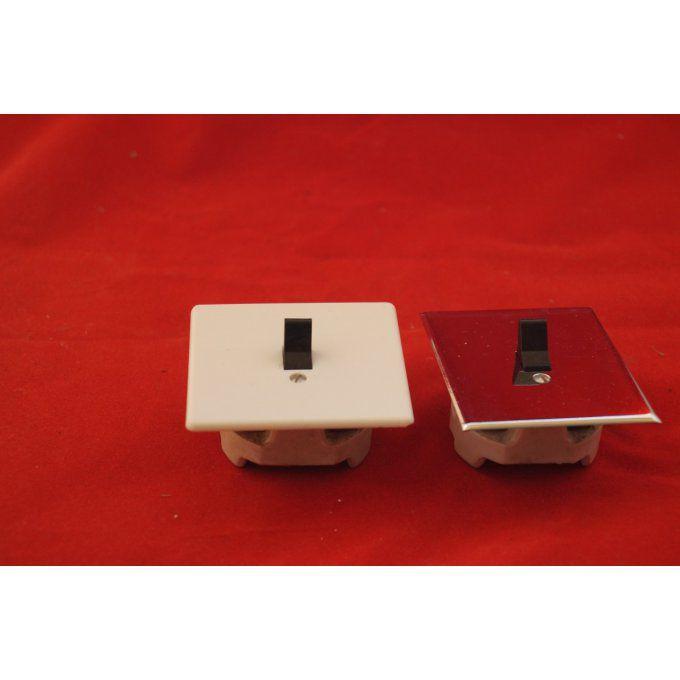 Ancien modèle d/'interrupteur en bakélite blanche Legrand Neuf